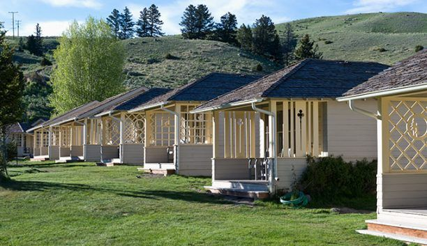 Mammoth hot springs hotel cabins are just 5 miles from the for Cabins in wyoming near yellowstone