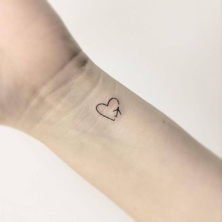 explorez nos idées de tatouage avec un petit coeur discret!   – Tatoo