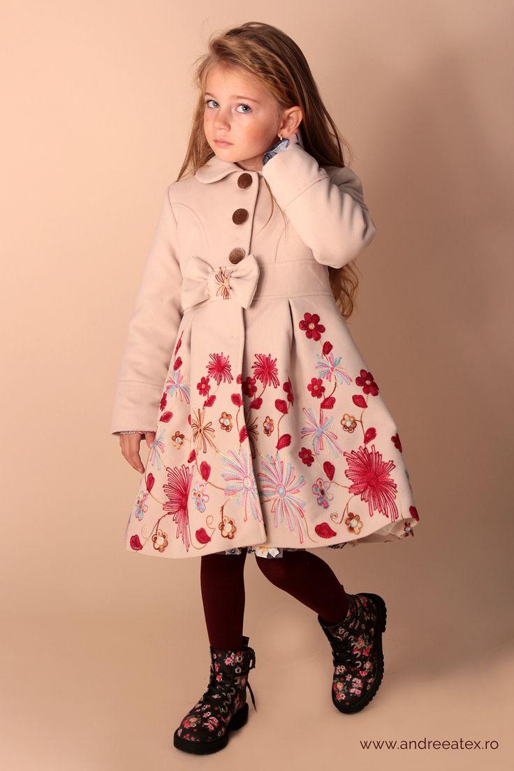 Paltonas fete Girls Beige Embroidery Coat & Hat Set Paltonas cu broderie și pălărie- Set