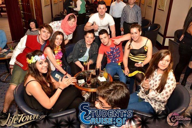Cool boys and girls in a studentcruise!
