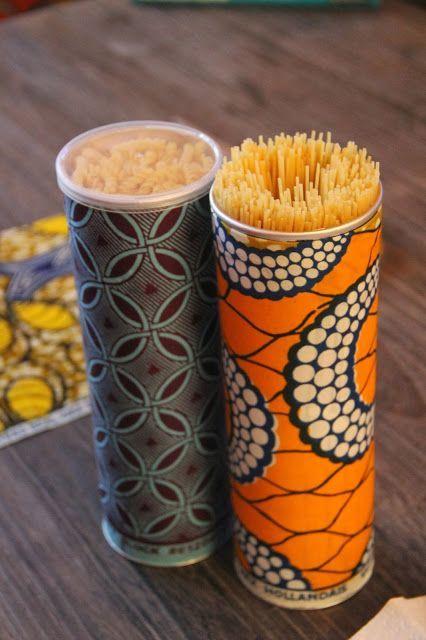 Recouvrir d'un joli papier une boite de Pringles pour ranger... des spaghettis!