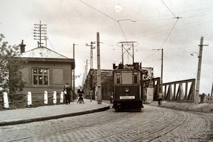 Stará Bratislava, Satrý most, električka