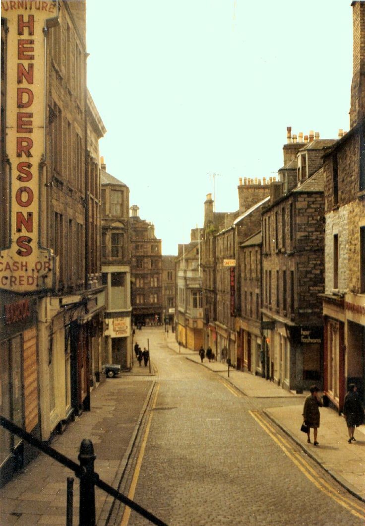 RETRO DUNDEE: LAST LOOK AT THE OLD WELLGATE: I remember the Wellgate like this in my childhood ♥
