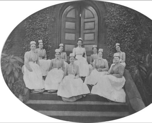 Enfermeras recién graduadas del Vassar Brothers Medical Center (1899)