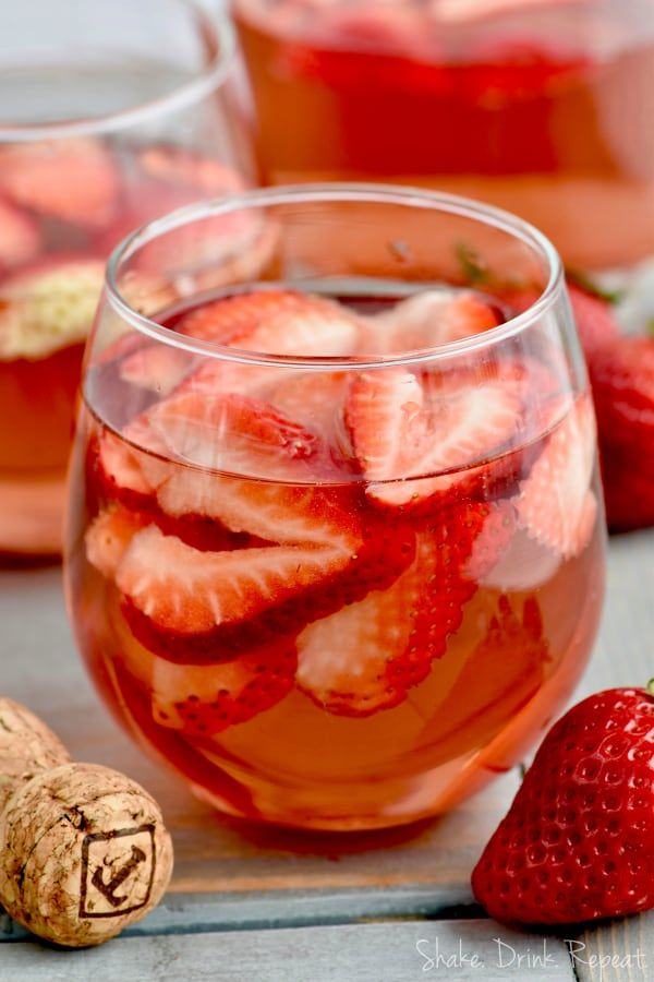 This Rose Sangria Recipe With Vodka Is The Perfect Easy Drink For
