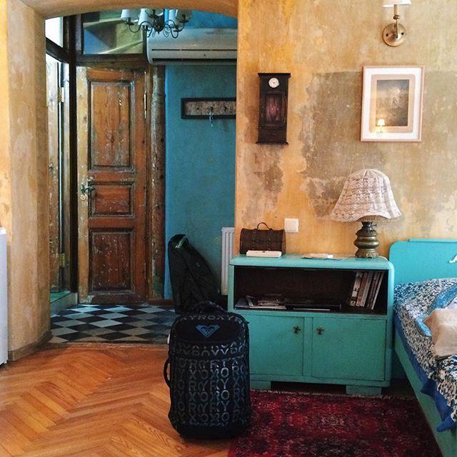 Как же хочется снова упаковать чемодан и двинуться навстречу неизведанному #vsco#vscocam#latergram#tbilisi#travel#mylove#happiness#inspiration#инстаграмнедели#точтовдохновляет#грузия#withlove#morning#светитень#stylefoto#georgia#instabeaty#georgia#summermemories#summertrip#чемоданноенастроение