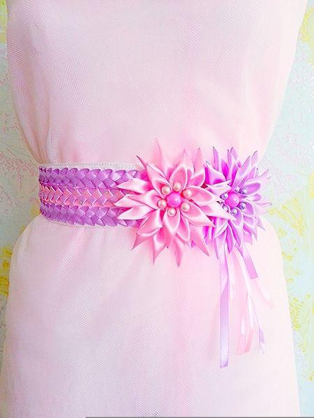 Brautgürtel - Brautgürtel mit Satinblumen und Perlen - ein Designerstück von Diamant-Shop bei DaWanda