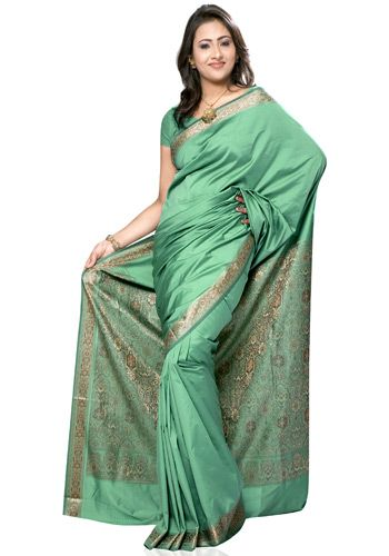 Indian Silk Saree for Women From Klasyy Fashion For more visit @ http://indianfashionhub.wordpress.com/2014/07/05/the-charm-of-silk-sarees/