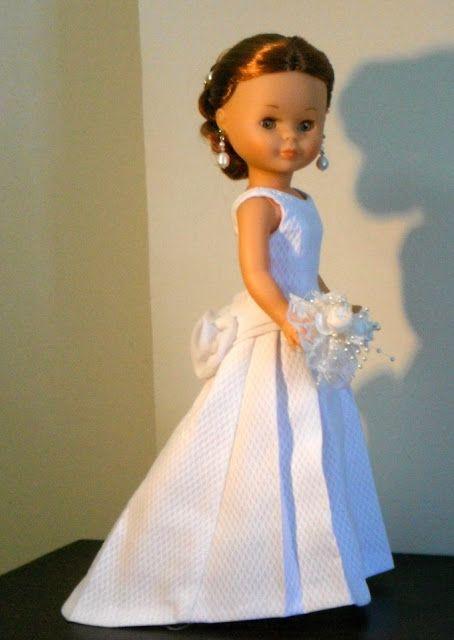 Vestido de novia para muñeca Nancy de Famosa. ABRIL.