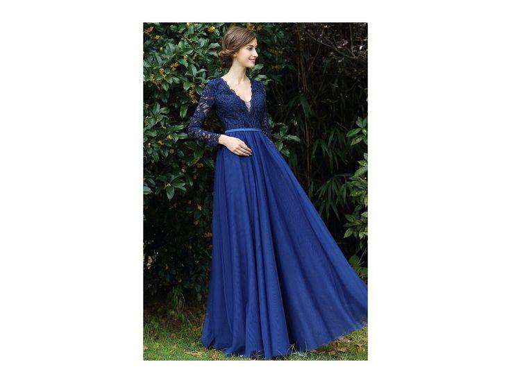 Romantické plesové šaty s krajkovým živůtkem v tmavě modré barvě celokrajkový živůtek splývavá sukně živůtek má všitou podprsenku zip na zadní straně  délka šatů 155 cm (od ramene k přednímu lemu)