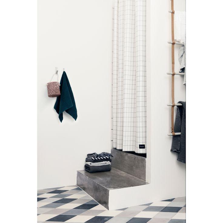 Grid suihkuverho – Ferm Living – Osta kalusteita verkossa osoitteessa ROOM21.fi
