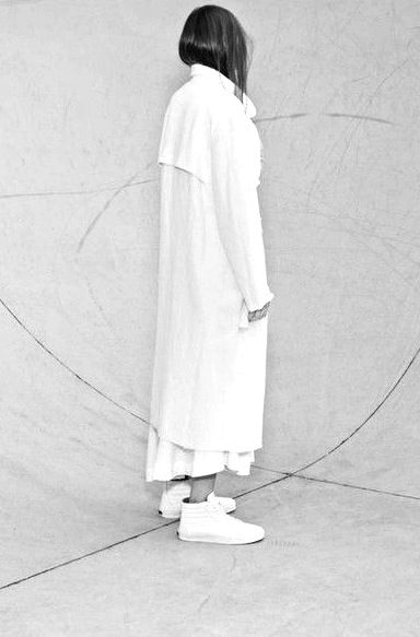 Minimalist Fashion - long white jacket, all white outfit // Bassike Resort 2015