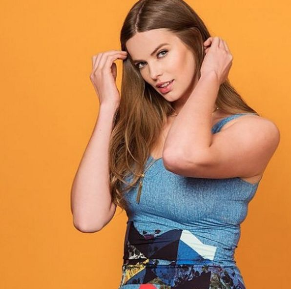 Curvy Model Robyn Lawley on How She Learned to Finally Stop Caring About Her Weight