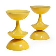 1650/548 - Nanna Ditzel: A pair of yellow glass fibre bar stools. Designed 1969. Manufactured by O.D. Møbler, Oddense. H. 72.5 cm. (2)