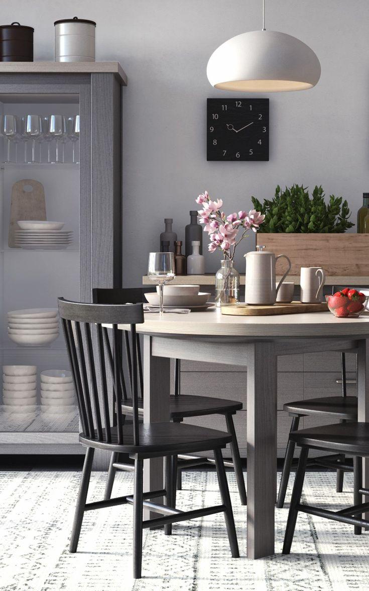 Gemütlicher Esstisch in der Küche, runder Esstisch zum ausziehen #LampEsstisch