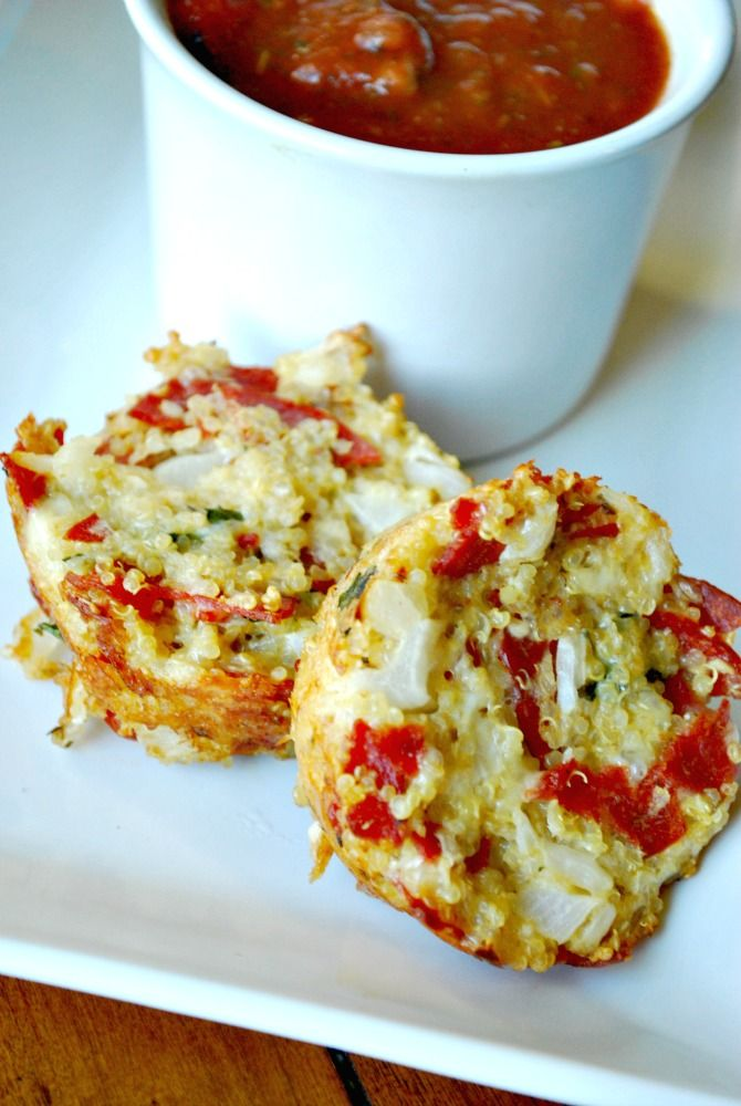 Quinoa pizza bites make a healthy snack or dinner. Excited to try these!
