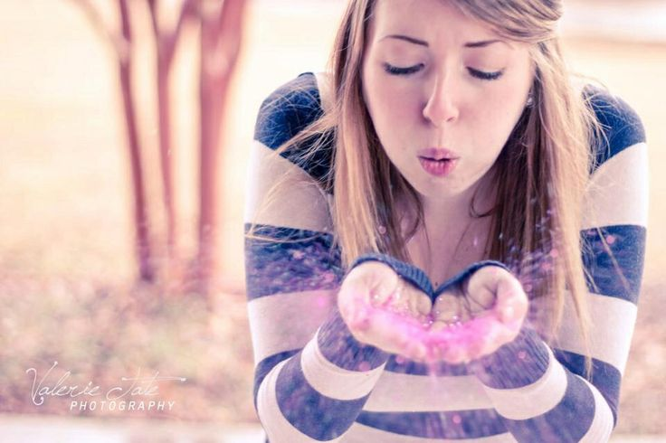 Glitter Gender Reveal Pregnancy Photography