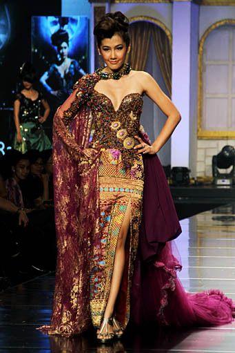 Designer Raden Sirait - Syukur Tiada Akhir, Bahagia Tiada Ujung 2012 Collection