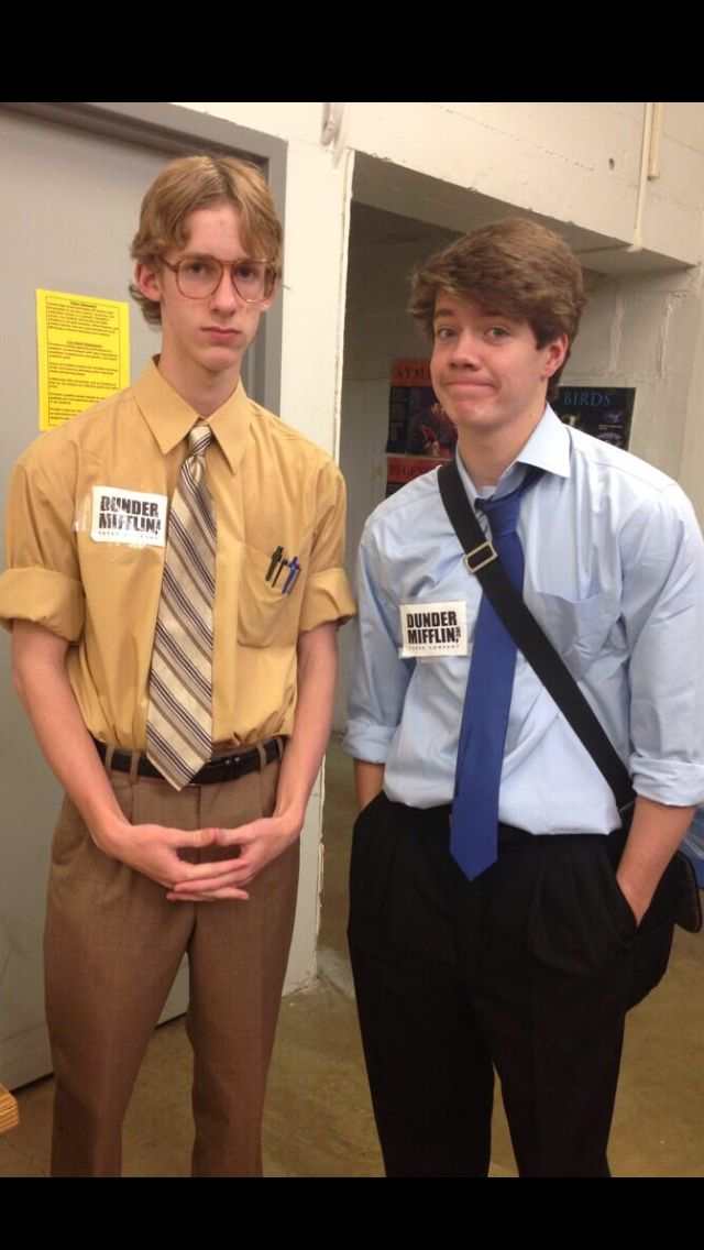 Cute Halloween costume...Jim and Dwight