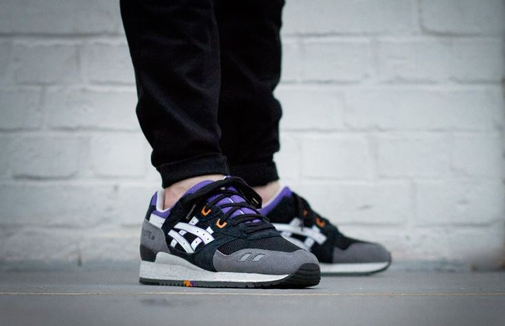 ASICS GEL LYTE III H425N 9001 - sizes: 36 to 45 - price € 109,99 Restyle your style with Asics! Get them now at Front Runner #Asics #Style http://www.frontrunner.nl/asics-gel-lyte-iii-h425n-9001_zwart-wit_19560.html