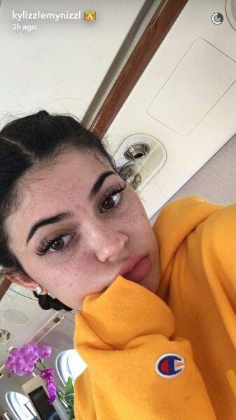 Kylie Jenner Gahhhh she should wear no makeup more often she's beautiful af ❤❤❤