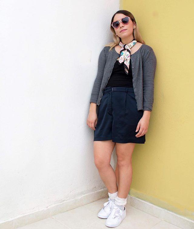 Tenis @kf_calzadoyaccesorios  calcetines  Me sentí como me de regreso en el colegio pero me encantó. . . . . #snickers #karenfigueroa #newshoes #sunday #weekendvibes #yellow #blogger #mexicanblogger #sportygirl #arylimon