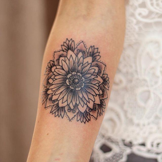 1000+ ideas about Sunflower Mandala Tattoo on Pinterest ...
