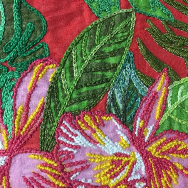 Chita Bordada!!! www.fuchic.com.br #fuchic #artepopularbrasileira #brasil #chita #bordado #decoração - fuchic