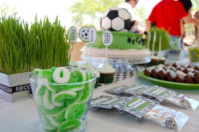 Soccer party - grass centerpieces