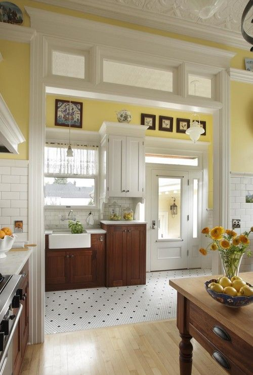 Anna's sunny vintage kitchen, Portland. Arciform. reminds me of an old turn-of-the-century (1900's) farmhouse