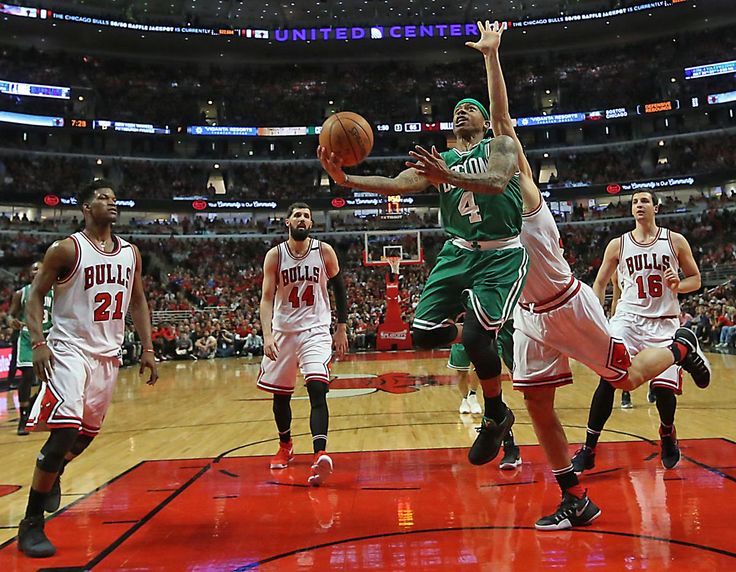 Chicago IL 4/23/17 Boston Celtics Isaiah Thomas scores a layup spliting the Chicago Bulls defense during second half action of game 4 of the first round of the NBA Playoffs at the United Center. (Photo by Matthew J. Lee/Globe staff) topic: reporter: