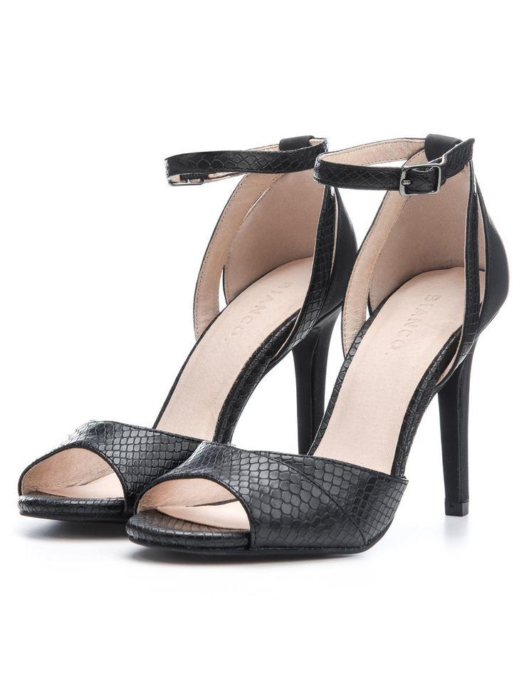 268 besten shoes bilder auf pinterest schuh stiefel stiefel und zapatos. Black Bedroom Furniture Sets. Home Design Ideas