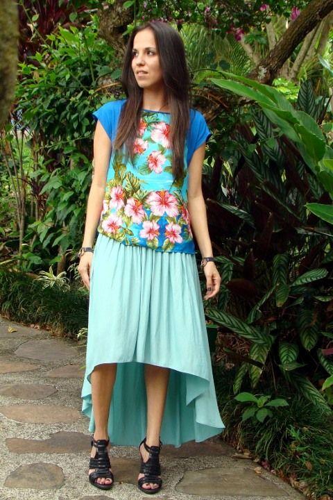 Look-con-blusa-de-estampado-floral-y-falda-asimétrica-menta-Zara-primavera-verano-2012-en-blog-de-moda-Desde-el-Trópico