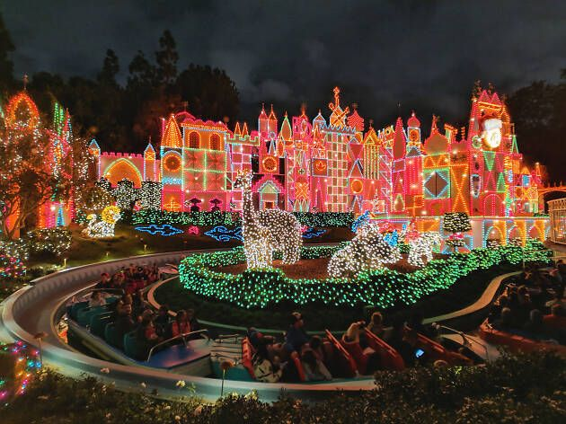 The Best Christmas Events In Los Angeles Best Christmas Light Displays Christmas Photos Christmas Events