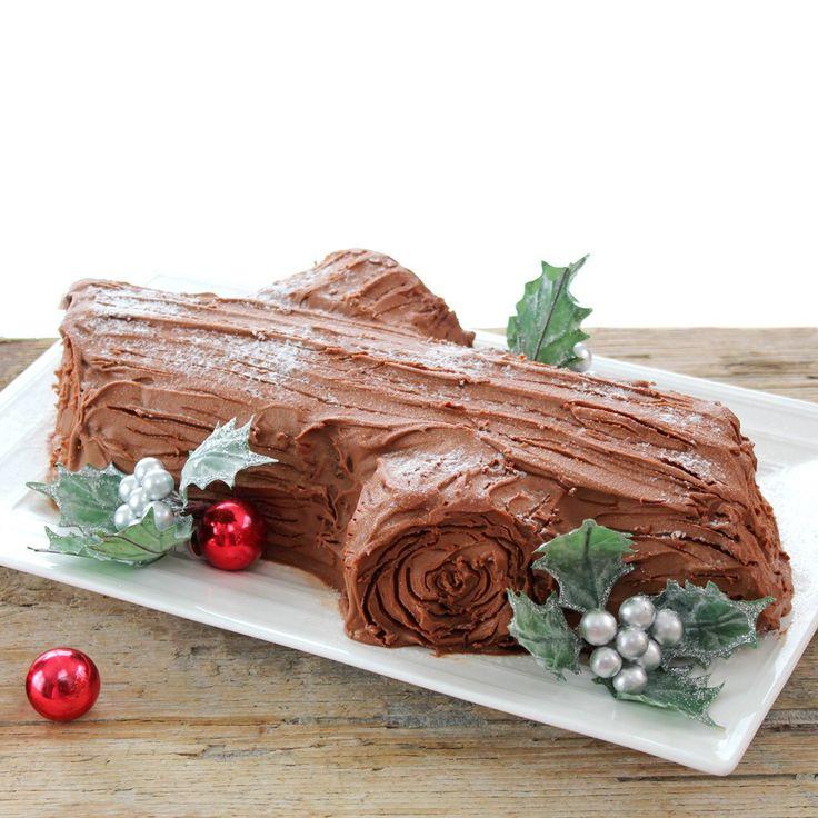 Buche de Noel (Yule Log) - Recipe: http://thekiwicook.com/2014/12/26/buche-de-noel-yule-log/
