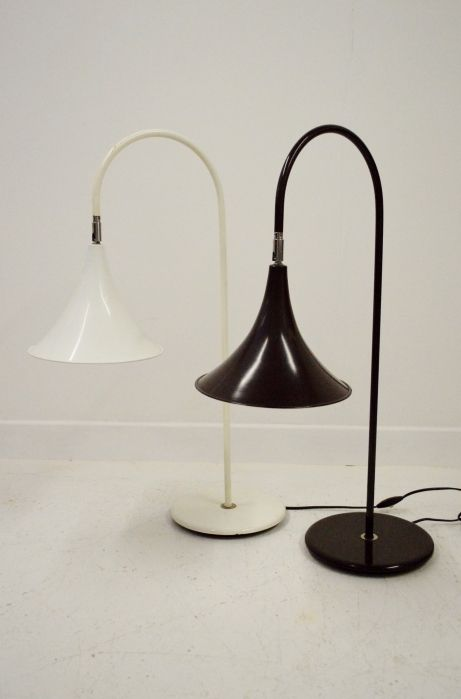Hala Zeist white retro desk table lamp