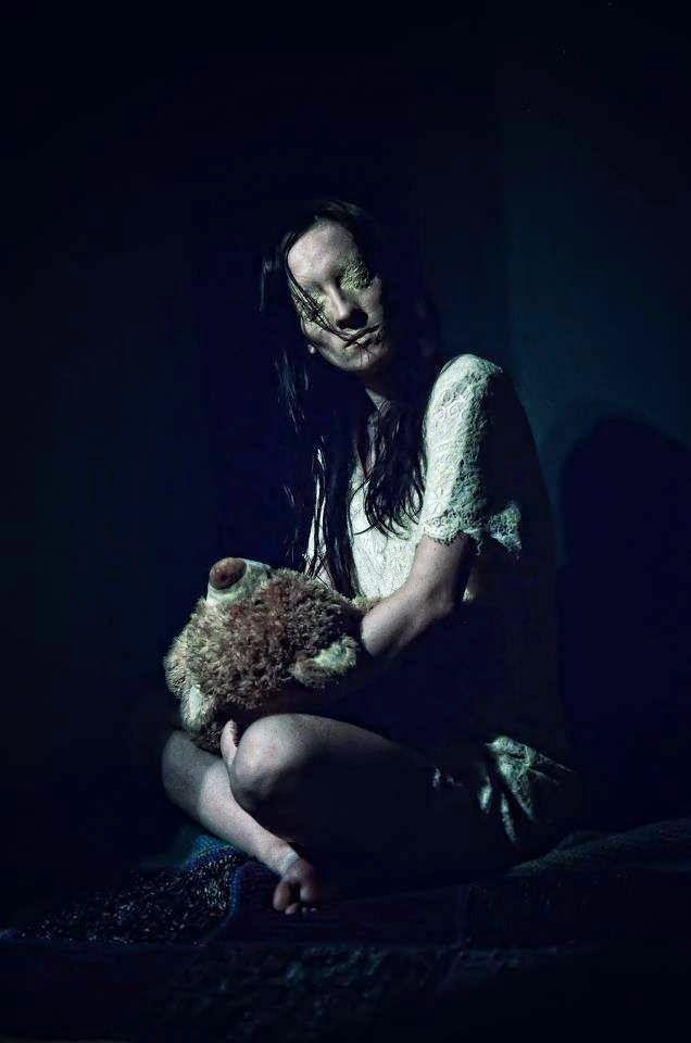 Raluca Mihulet. Makeup Artist: Halloween