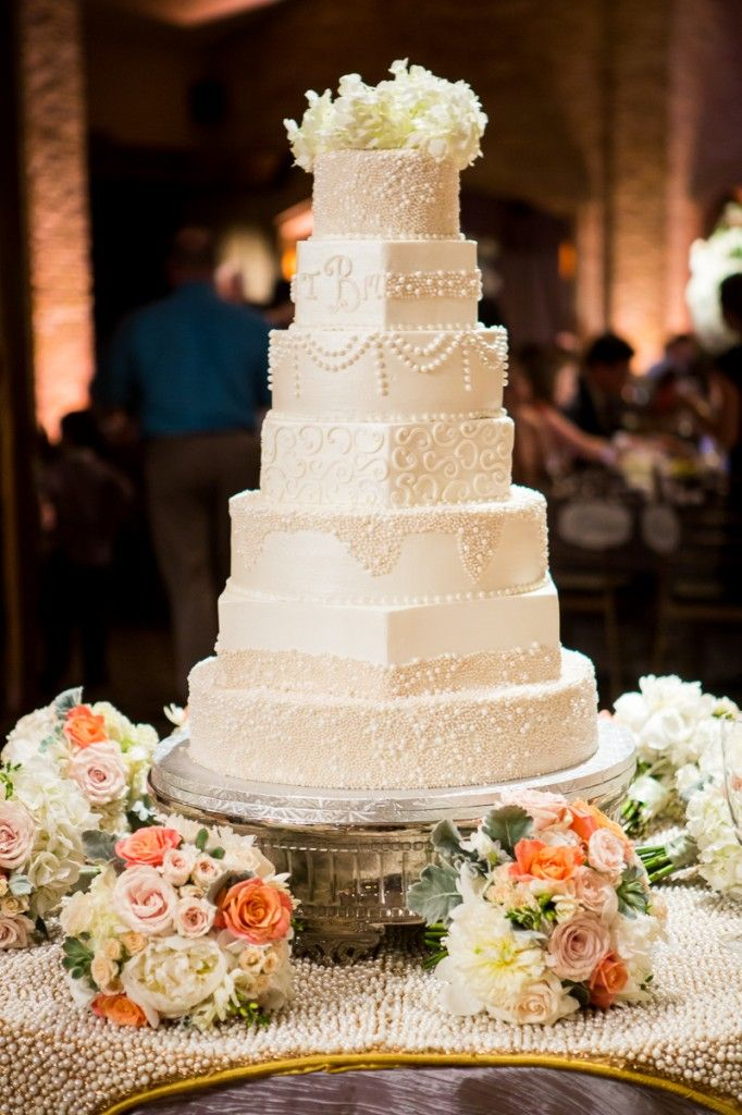 24 best wedding cakes desserts images on pinterest dallas wedding wedding pictures and. Black Bedroom Furniture Sets. Home Design Ideas