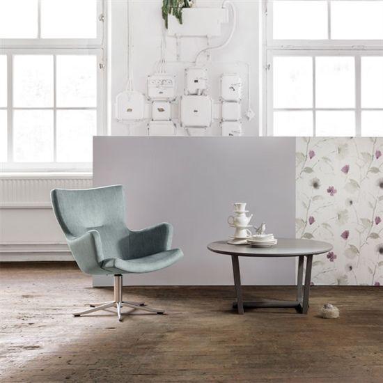 Store | Conform - Handgjord komfort i detalj Gyro är en snurrfotölj som är designad av Jan Ekström. Snurrfotöljen finns att få i flera olika färger och material. Gyro finns även att få med armstöd och nackstöd för att skapa ytterligare komfort.