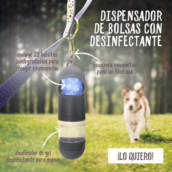 El completo y funcional accesorio HandiPOD es por un lado un dispensador de bolsitas para perros y por otro, un dosificador con gel desinfectante de manos antibacteriano. Este innovador producto elimina el 99,9% de las bacterias, para que cuides de tu higiene y de la de tu mascota en cualquier lugar al que vayáis en vuestros paseos diarios.