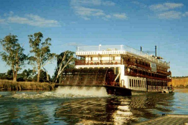 'Murray Princess' paddlesteamer (Captain Cook Cruises) - Mannum, South Australia, Australia
