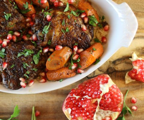 Slow cooker chicken with walnuts and pomegranate