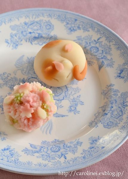Cute cat wagashi and cookies by carolinei.