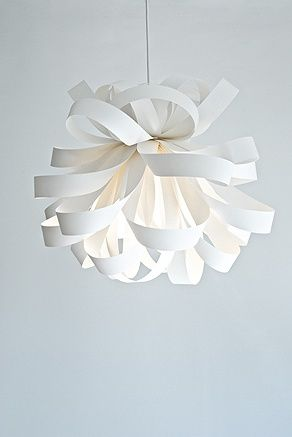 Ideas para hacer tu propia lámpara | http://papelisimo.es/ideas-para-hacer-tu-propia-lampara/