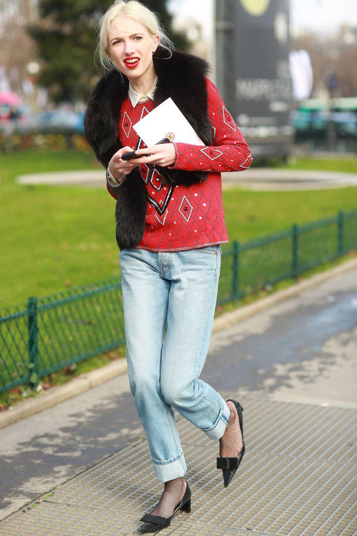 Boyfriend jeans never mean you can't wear your prettiest heels.  #Streetstyle at Paris Fashion Week #PFW