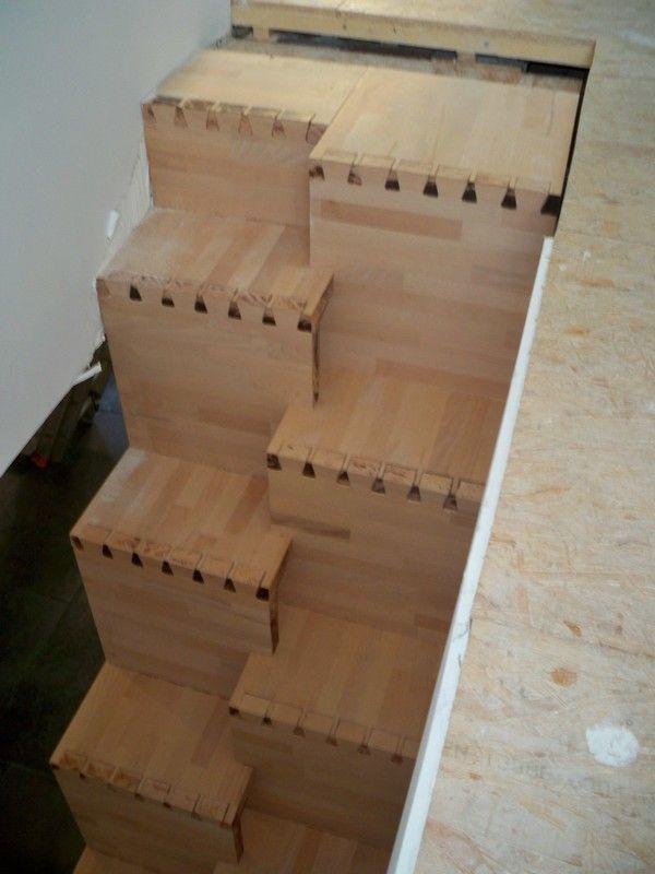 """Bonjour a tous,    La construction de mon escalier va se faire cet ete, je commence donc a bucher serieusement le sujet. La tremie existante est de faible taille (79x204) avec une difference de niveau ...... (Forum """"Escaliers"""" - 12 messages)"""