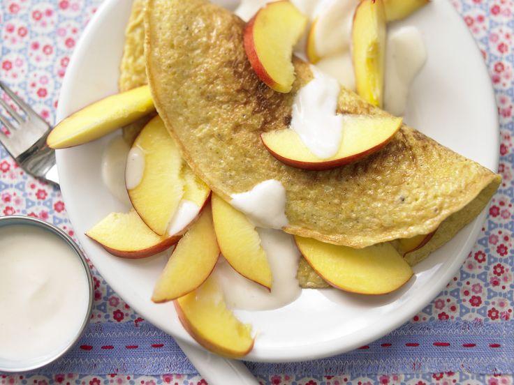 Hirse-Omelett - mit Nektarinen - smarter - Kalorien: 399 Kcal - Zeit: 20 Min. | eatsmarter.de Sogar Omelett lässt sich mit Hirse zubereiten.
