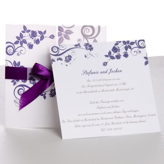Einen Augenblick in Lila. Wunderbare lila Schleife und druckbares transparentes aussen Papier macht die Hochzeitskarte OPA051 besonder ausgefallen.