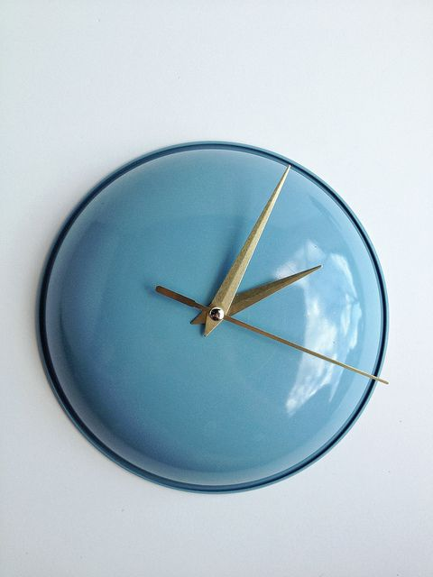 DIY Up-Cycled Clock. Very cute and easy to do!