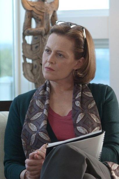 Sigourney Weaver è la Dott.ssa Bennett